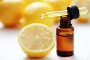 Lemon-essential-oil-for-acid-reflux
